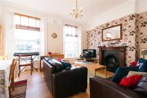 Cruikshank Street Maisonette to rent