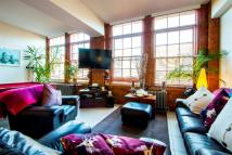 2 bed Apartment to rent in Green Walk, London...