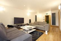 3 bed Apartment in Green Walk, Tower Bridge...