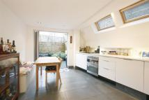 2 bed house to rent in Green Walk, Tower Bridge...