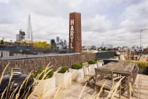 2 bed Apartment for sale in Green Walk, London