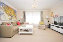 Flat to rent in Vincent Court...