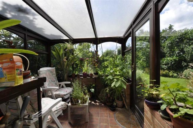Conservatory/lean to