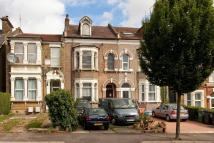 5 bed Terraced property for sale in Queens Road, London, E11