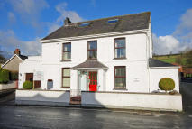 4 bed Detached property in Glasfryn  SA32 7QY
