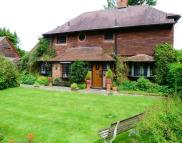 4 bed Detached home in BANSTEAD
