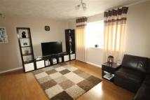 Flat to rent in Longfields, Chirk...