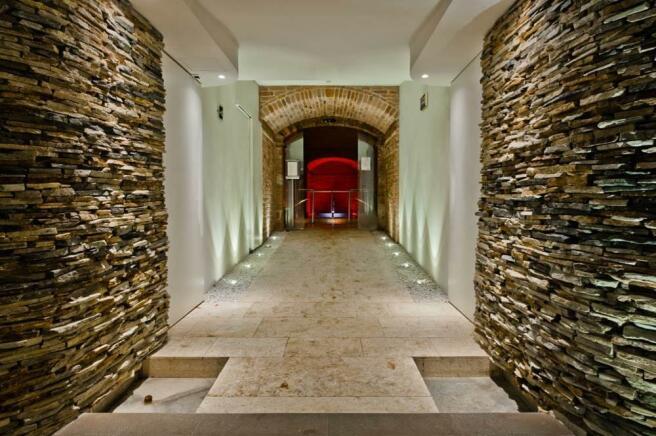 Entrance SPA