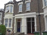 2 bedroom Flat to rent in Rockmount Road, Plumstead