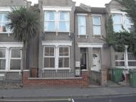 1 bedroom Flat in Woolwich Road...