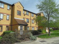 Flat to rent in Ruston Road, Woolwich