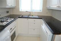 Semi-Detached Bungalow in 8 Manor Court, ABINGDON...