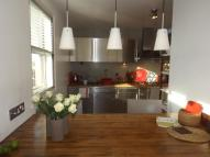 Apartment to rent in Staines Road West...