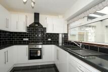 4 bedroom Detached property in Alexandra Road, Ashford