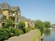 Apartment to rent in Swan Walk, Shepperton