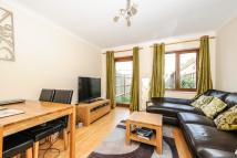 2 bed Terraced home in Beechwood Avenue...