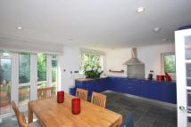 4 bed property in ST MARY ABBOTS TERRACE...