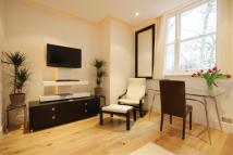 Flat to rent in CRAVEN HILL GARDENS...