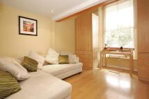 Studio flat to rent in WESTBOURNE GARDENS...