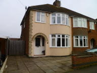 3 bed semi detached house to rent in De Vere Road, Thrapston