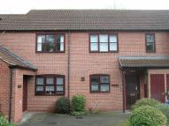 2 bedroom Flat for sale in Elmsdale Gardens...