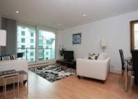 2 bed Flat to rent in Hamilton House...