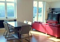 2 bedroom Flat in Salamanca Square...