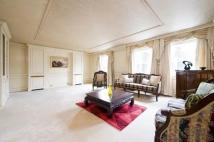 4 bedroom Flat in Glendore House...