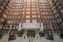 Flat in Park West, Edgware Rd