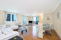 3 bedroom Flat to rent in Bridge House ...