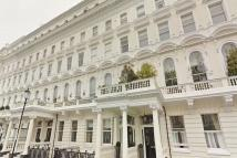 2 bedroom Flat to rent in Queens Gate Terrace...