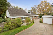 5 bedroom Detached property in Strawberry Close...