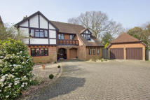 5 bedroom Detached property in Ryders, Langton Green...