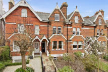 Town House for sale in Berkeley Road...