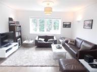 Apartment to rent in Chatsworth Road, London...