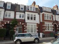3 bedroom Apartment in Glenmore Road, London...