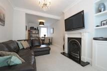4 bed Flat to rent in Churchill Road Willesden