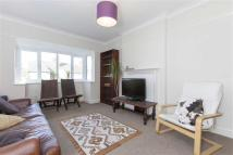 Flat to rent in Staverton Road...