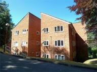 Flat to rent in Whyteleafe, Surrey