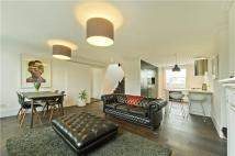 2 bed Flat for sale in Leconfield Road...