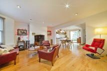 2 bed Flat for sale in Dunollie Road...