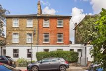 2 bed Flat in Falkland Road...