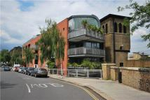 3 bed Flat for sale in Gloucester Avenue...