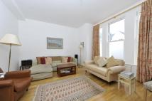 3 bedroom Flat in Alderbrook Road, SW12