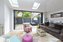 2 bedroom Flat in Tantallon Road, SW12