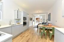 2 bedroom Flat for sale in Cavendish Road, SW12