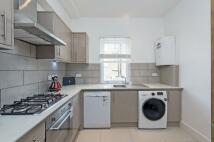 Flat to rent in Aldebert Terrace, SW8