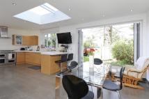 6 bed Detached property in Rodenhurst Road, SW4