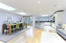 6 bedroom Terraced home in Elms Road, SW4