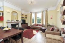 2 bedroom Flat in Kings Avenue, SW4
